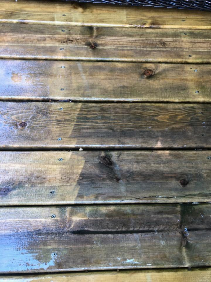 deck flooring in need of washing